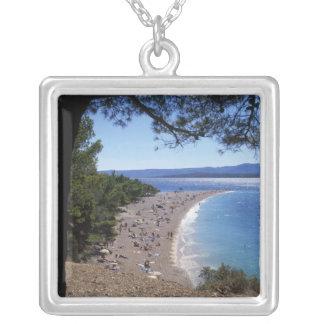 La Croatie, île de Brac, Bol, plage d'or de cap Pendentif Carré