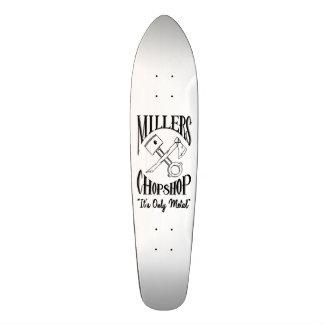 La croix classique désosse le logo skateboard