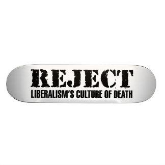 La culture du libéralisme de rejet de la mort plateau de planche à roulettes