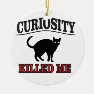 la curiosité est un vilain défaut ornement rond en céramique