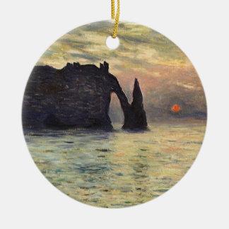 La falaise Etretat, coucher du soleil par Claude Ornement Rond En Céramique