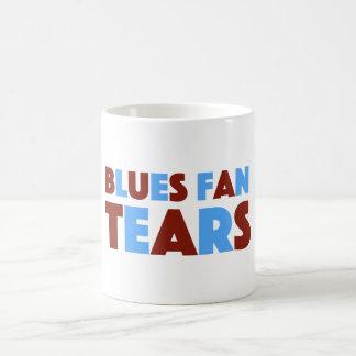 La fan de bleus déchire la tasse pour des fans de