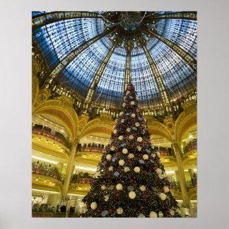 La Fayette de Galeries à Noël, Paris, France Poster