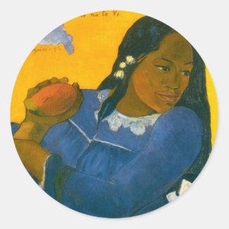 La femme de Paul Gauguin avec une mangue 1892 Adhésifs Ronds