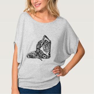 """La """"femme de yoga """" t-shirt"""