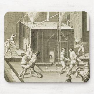 La fonderie d'un sculpteur, du 'DES S d'Encycloped Tapis De Souris