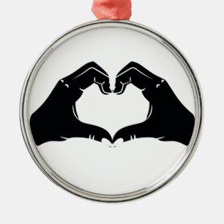 La forme de coeur remet l'illustration avec les ornement rond argenté