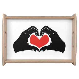 La forme de coeur remet l'illustration avec les plateaux