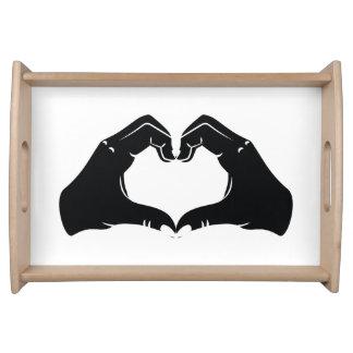 La forme de coeur remet l'illustration avec les plateaux repas