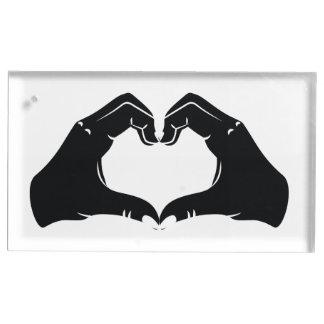 La forme de coeur remet l'illustration avec les porte-photos