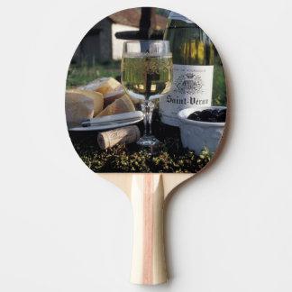 La France, Bourgogne, Chablis. Vin du pays et Raquette De Ping Pong