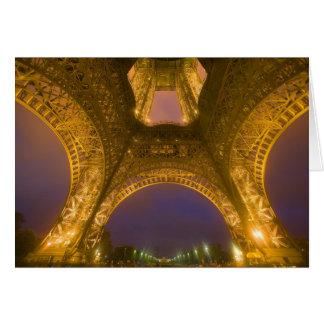 La France, Paris. Tour Eiffel illuminé à 2 Carte De Vœux