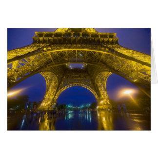 La France, Paris. Tour Eiffel illuminé à Carte De Vœux