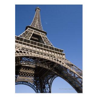 La France, Paris, Tour Eiffel, vue d'angle faible Cartes Postales