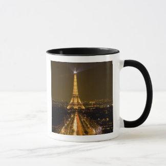 La France, Paris. Vue de nuit de Tour Eiffel Mugs