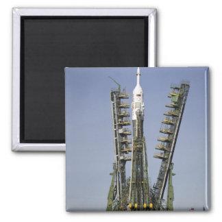 La fusée de Soyuz est érigée en le place 4 Aimant