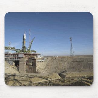 La fusée de Soyuz est érigée en le place 5 Tapis De Souris