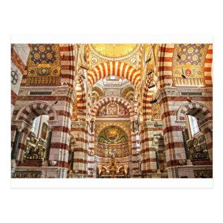 La garde de Notre Dame De de cathédrale à Marseill