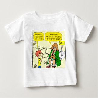 La grand-maman 903 vérifie la bande dessinée t-shirt pour bébé