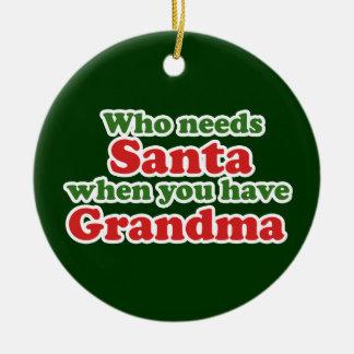 La grand-maman est meilleure que Père Noël Ornement Rond En Céramique