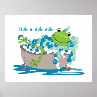 La grenouille dans le baquet badine la salle de ba poster