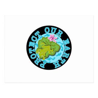 La grenouille protègent notre terre carte postale