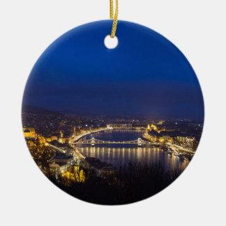 La Hongrie Budapest au panorama de nuit Ornement Rond En Céramique