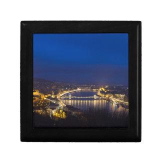 La Hongrie Budapest au panorama de nuit Petite Boîte À Bijoux Carrée