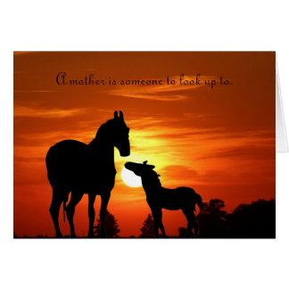 """La jument et poulinent """"une mère est quelqu'un à carte de vœux"""