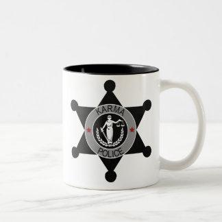 La Karma-Police arrête cet homme… Mugs