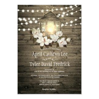 La lanterne florale en bois rustique allume le carton d'invitation  12,7 cm x 17,78 cm