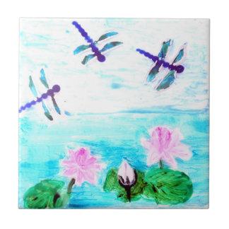 La libellule, lis fleurit la peinture d'étang petit carreau carré