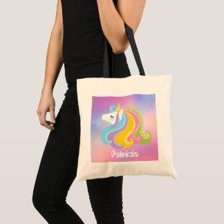 La licorne d'imaginaire de filles ajoutent le sac