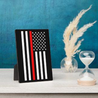 La ligne rouge mince symbolique drapeau américain plaque photo
