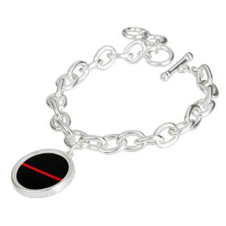 La ligne rouge mince symbolique noir horizontal bracelets avec breloques