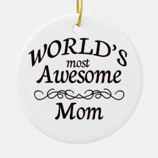 La maman la plus impressionnante du monde ornement rond en céramique