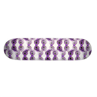 La mascarade assez pourpre masque le mardi gras skateboard customisable