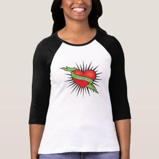 La mine fait tic tac le T-shirt des femmes