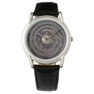 La montre créative fraîche des hommes avec le
