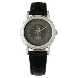 La montre en cuir noire classique des femmes avec