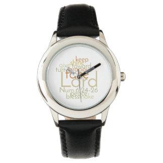 La montre en cuir noire des hommes sacerdotaux de montres bracelet