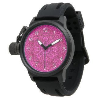 La montre vintage de fleur   des hommes roses de