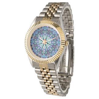 La montre vintage des hommes colorés de merveille