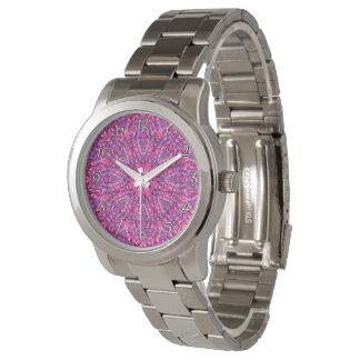 La montre vintage des hommes colorés   pourpres