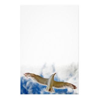La mouette glissant en vol se ferment avec les cie papier à lettre customisé