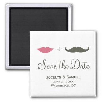 La moustache et les lèvres font gagner la date magnet carré