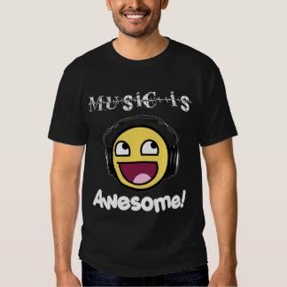 La musique est impressionnante ! Smiley T-shirts