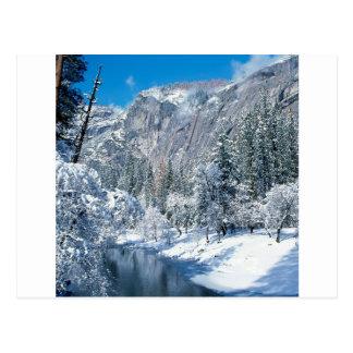 La neige de montagne s assemble le pair de Yosemit Cartes Postales