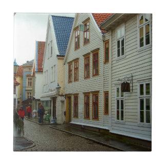 La Norvège, Bergen, les maisons en bois et les pav Petit Carreau Carré