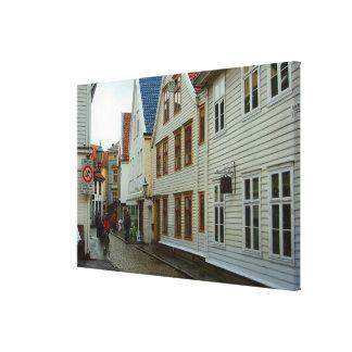 La Norvège, rue pavée en cailloutis à Bergen Impression Sur Toile